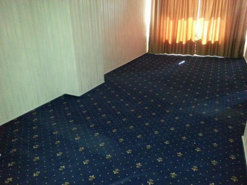 Hotel Traian Braila (mocheta si plinta mocheta)