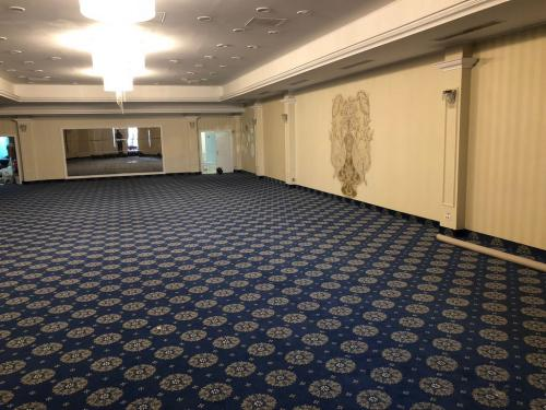 Salon Presidential Ballroom - Royal Pipera (mocheta)